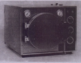 •.Ie. :>-:;; Office-proportioned autoclave that can be used as both steam and dry-heat sterilizer. (Courtesy Pelton ond Crone inc., Char/otte, NC)